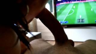 Imagen Made in Canarias mamada mientras vemos el futbol