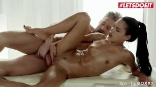 Imagen Porno español apolonia lapiedra folla con su masajista