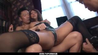 Imagen Japonesas chica se deja dar doble penetración