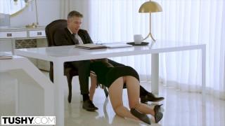 Imagen Anal follando con mi secretaria y dejando el hueco rojo