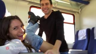 Imagen Amateur español follando en pleno viaje